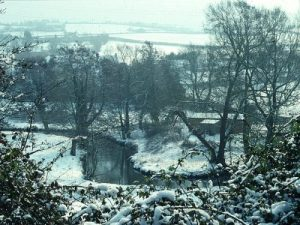 cam-valley-in-snow